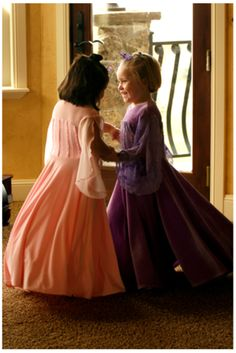 Girls in pink and purple Appleblossom dresses