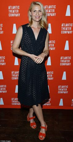 0ada26261400 Claire Danes parades her phenomenal figure at mind-reading performance