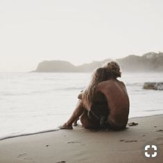 Ideas travel couple photography romances pictures for 2019 Funny Couple Pictures, Couple Picture Poses, Photo Couple, Beach Pictures, Couple Pics, Funny Photos, Couple Ideas, Couple Things, Summer Couple Pictures