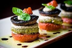 Food Photography and Plating Gourmet Food Vegan Finger Foods, Caviar D'aubergine, Great Recipes, Favorite Recipes, Vegetarian Recipes, Cooking Recipes, Vegetarian Options, Food Porn, Think Food