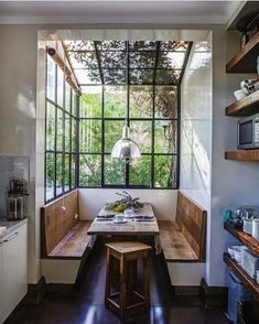"Gefällt 11.8 Tsd. Mal, 108 Kommentare - Vibeke J Dyremyhr (@interior_delux) auf Instagram: ""Brilliant breakfast and dining area #diningtable #kitchen #blackframe #spiseplass #kjøkken…"""