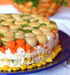 Этот торт-салат вкусный и очень сытный. Он станет настоящим хитом на любом праздничном столе. Сохраните рецепт!