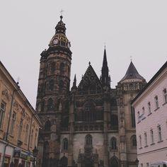 Нереально красивый город этот Кошице Barcelona Cathedral, Core, Create, Travel, Victorian Architecture, Viajes, Destinations, Traveling, Trips