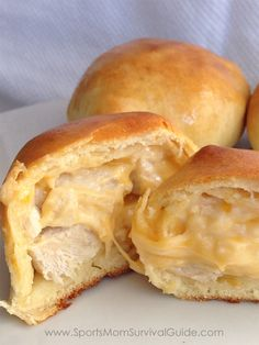 Try these Easy Homemade Chicken Kolaches for an yummy and quick meal. Perfect to grab on the go or make and freeze for a future meal.