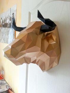 Bull Head paper craft low poly DIY template PDF von PolyFish