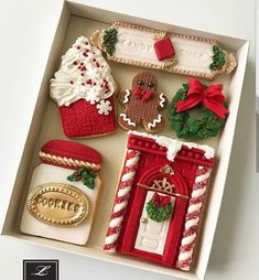 of the best decorated Christmas cookies. Different cookie cutouts and decorating styles are here with some easy recipes thrown into the mix as well. Find classics such as shortbread cookies, gingerbread cookies, sugar cookies and more! Cute Christmas Cookies, Iced Cookies, Cute Cookies, Christmas Sweets, Christmas Gingerbread, Royal Icing Cookies, Noel Christmas, Holiday Cookies, Christmas Baking