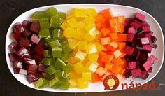 """Ak patríte k """"závislákom"""" na farebných želé medvedíkoch, ale odopierate si ich kvôli vysokému obsahu cukru, nezdravým farbivám akonzervačným látkam, máme pre vás skvelé riešenie. Sú ním domáce želé cukríky, ktoré pripravíte bez jediného gramu cukru. Okrem toho obsahuje množstvo potrebných vitamínov aminerálov, vďaka čomu ich môžete bez výčitiek svedomia dať aj svojim deťom. Cenný..."""