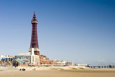 2nt Blackpool, Breakfast & Wine