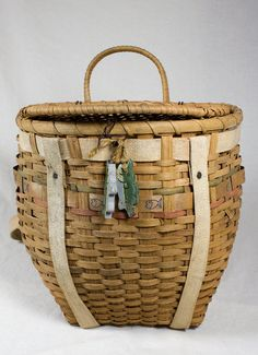 Loving this old fishing creel...would be a suit potato or onion bin in the pantry...or just a basket to hold baking tools.... $19.99 on Etsy