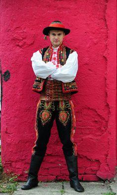 lamus dworski: Lachy Sądeckie costume - a guide to Polish folk costumes Polish Clothing, Folk Clothing, Historical Clothing, Traditional Fashion, Traditional Dresses, Polished Man, Merry Widow, Polish Folk Art, Costumes Around The World