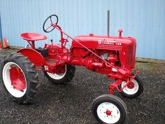 1950 Farmall Cub Yard Tractors, Small Tractors, John Deere Tractors, Antique Tractors, Vintage Tractors, Vintage Farm, Steam Tractor, Red Tractor, International Harvester Truck