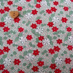 Marcus Brother Fabrics ~  Aunt Grace Minatures ~ Flower Green and Red