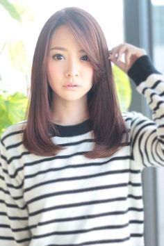 Long Straight Hair With Layers Haircuts For Medium Hair, Cute Haircuts, Medium Hair Cuts, Medium Hair Styles, Short Hair Styles, Korean Haircut Medium, Asian Haircut, Mid Length Hair, Shoulder Length Hair