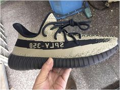 Authentic Yeezy 350 V2 Olive Green2