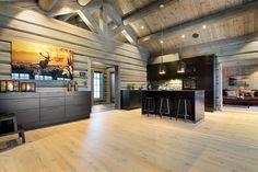 Hafjell - Eksklusiv og eventyrlig tømmerhytte fra 2016 med spektakulær utsikt - Ski inn & ut alpint og langrenn - Meget høy og påkostet standard med moderne og tekniske løsninger - 10 soverom - Dobbel garasje i u etg - Egen leilighet i U.etg. | FINN.no Wooden Cabins, Barndominium, Prefab, Interior, Ski, House, Furniture, Home Decor, Decorating