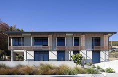 Tiltpanel House / Irving Smith Jack Architects