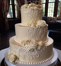 Hochzeitstorten 3 etagen 30 wedding cakes so elegant that we cant look away 00071 ag .- 30 wedding cakes so elegant, we cant look away 00071 agilshom . Floral Wedding Cakes, Wedding Cakes With Cupcakes, White Wedding Cakes, Wedding Cake Decorations, Elegant Wedding Cakes, Wedding Cake Designs, Wedding Cake Toppers, Rustic Wedding, Elegant Cakes