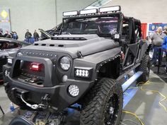 ❦ Custom Jeep by zombieite, via Flickr