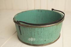 teal bucket www.tiffanijedlickaphotography.com