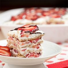 Strawberry Icebox Cake (No Bake)