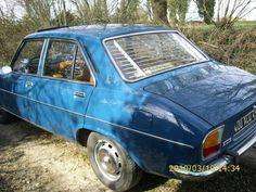 Peugeot 504 Berline ( Modèle N° 1 ) + store Gradulux Vous voulez le même ? Contactez-nous !