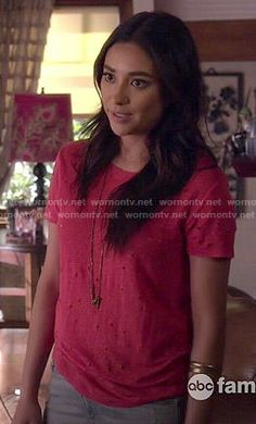 Emily's red distressed tee on Pretty Little Liars.  Outfit Details: http://wornontv.net/50751/ #PLL