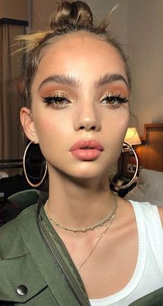 pretty makeup looks colored Glam Makeup, Pretty Makeup, Makeup Inspo, Makeup Inspiration, Makeup Ideas, Sweet Makeup, Makeup Hacks, Tattoo Inspiration, Eyebrow Makeup