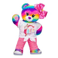 Rainbow Friends Bear is ready to dance in its Glitter Everywhere T-shirt and JoJo Siwa hair bow for stuffed animals! Find the teddy bear gift set at Build-A-Bear! Jojo Siwa Bows, Jojo Bows, Jojo Siwa Birthday Cake, 4th Birthday, Jojo Siwa Outfits, Teddy Bear Gifts, Cute Disney Wallpaper, Build A Bear, Pet Gifts