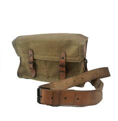 FRANÇAIS VINTAGE 1950 incroyable cuir épais et toile militaire / armée Messenger Bag / Cross Body / sac bandoulière / kaki couleur, animaux morts