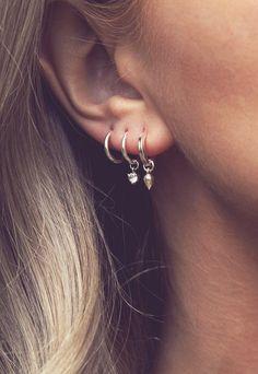 Moonlight // crescent moon and blue quartz single ear wrap - no piercing needed - Custom Jewelry Ideas Emerald Earrings, Silver Hoop Earrings, Crystal Earrings, Silver Hoops, Silver Jewelry, Minimalist Earrings, Minimalist Jewelry, Wire Ear Cuffs, Cute Ear Piercings