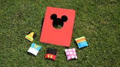 & Friends Bean Bag Toss This simple Mickey & Friends bean bag toss craft will add a dose of cuteness to your next backyard picnic or BBQ!This simple Mickey & Friends bean bag toss craft will add a dose of cuteness to your next backyard picnic or BBQ! Theme Mickey, Birthday Party Games, Mickey Mouse Birthday, Minnie Mouse Party, Minnie Mouse Games, Mickey Party, Disney Diy, Disney Crafts, Disney Magic
