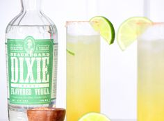 Friday Sipping: Beauregard Breeze cocktail recipe with Southern Dixie Mint Vodka, pineapple, soda, and lime with a cayenne salt rim | Scotch and Nonsense