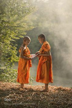 tinnacriss: Monk Teaching by sarawutkaka