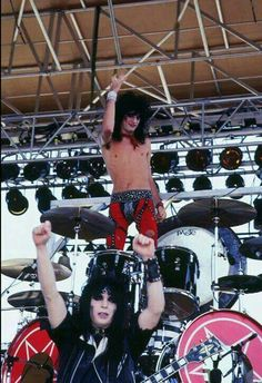 Tommy Lee and Mick Mars 80s Hair Metal, Hair Metal Bands, Hair Bands, Tommy Lee Motley Crue, Mick Mars, Vince Neil, Glam Metal, Nikki Sixx, My Favorite Music
