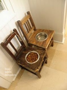 Love this dog food and water bowls, especially how they are slightly mismatched.