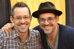 Celebrity Twins: 20 Stars You Didn't Know Were Twins! NICHOLAS BRENDON AND KELLY DONOVAN These identical twin brothers were born three minutes apart. Many years later, they still stood side by side with starring roles in Buffy The Vampire Slayer. Famous Twins, Twin Pictures, Celebrity Siblings, Buffy Summers, Identical Twins, Sarah Michelle Gellar, How To Have Twins, Gisele Bundchen, Entertainment