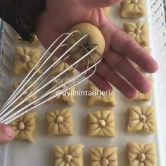5 çayı tarifleri (@5cayi.tarifleri) • Instagram photos and videos Baking Tips, Baking Recipes, Cookie Recipes, Dessert Recipes, Creative Desserts, Creative Food, Safari Cakes, Pastry Design, Berry Tart