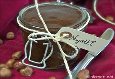 Nugatti Yummy Recipes, Yummy Food, Celebrations, Place Card Holders, Chocolate, Healthy, Christmas, Xmas, Tasty Food Recipes