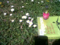 DAY 66 : Et soudain, c'est l'été. Vernis dans le parc, balade découverte autour de la maison,  et pique-nique romantique à Poisat.