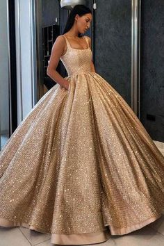 Champagne 2019 New Gorgeous Ball Gown Quinceanera Dresses Spaghetti Straps Floor Length Sequined Prom Dress Sweet 16 Vestidos 15 anos Gold Wedding Gowns, Sequin Prom Dresses, Cute Prom Dresses, Elegant Dresses, Pretty Dresses, Beautiful Dresses, Sweet 16 Dresses Gold, Formal Dresses, Sweet Dress