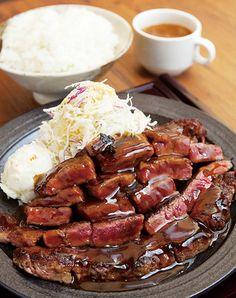 """""""ガッツリ肉""""の王様といえば「ステーキ&トンテキ」! 超ボリューミーなお肉が食べられて、コスパも抜群な関西のお店を厳選してご紹介。"""