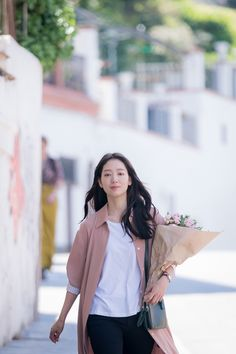 Memories of the Alhambra Park Shin Hye Park Shin Hye, Korean Actresses, Korean Actors, Actors & Actresses, Urban Fashion, Trendy Fashion, Fashion Outfits, The Heirs, Celebs