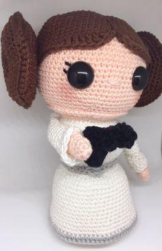 Star Wars' Princess Leia crochet pattern from www.inkugurumi.nl ❤