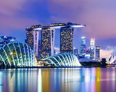 48 Hours in Singapore - Singapore is more like the South East Asian version of Sydney. But maybe that's why Australians love the city… It's Asia without grit.  No Bintang singlets here boys. This city oozes wealth, fashion and austerity. Don't worry though, Birkenstocks are cool now and with all the walking you'll be doing, you'll be glad they are!