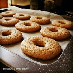 If you were to make a single batch of these cookies, it would never be enough. Wine Cookies, Biscotti Cookies, Bakery Recipes, Cookie Recipes, Biscuit Dessert Recipe, Italian Pastries, Italian Cookies, Quick Easy Meals, Biscuits