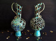 Anfora in ceramica, vaso in Ceramica Raku, vaso decorativo, vaso da collezione, vaso intagliato in ceramica, vaso turchese, vaso classico. Grande impatto e fascino La foto in anteprima mostra loggetto in due diverse angolazioni Su ordinazione. La forma e i colori possono