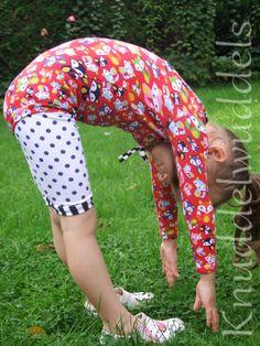 Turndress. Ballettanzug von der Erbsenprinzessin Harem Pants, Fashion, Sewing For Kids, Gymnastics, Princess, Sewing Patterns, Moda, Harem Jeans, Fashion Styles