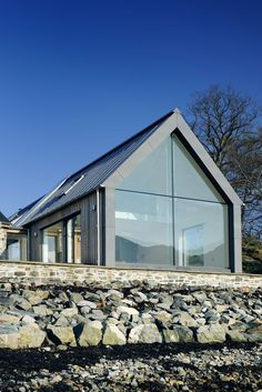 Roof lines and windows. Loch Duich - Rural Design Architects - Isle of Skye and the Highlands and Islands of Scotland Architecture Durable, Interior Architecture, Architecture Colleges, Modern Exterior, Exterior Design, Garage Design, House Plan With Loft, House Plans Uk, House Extensions