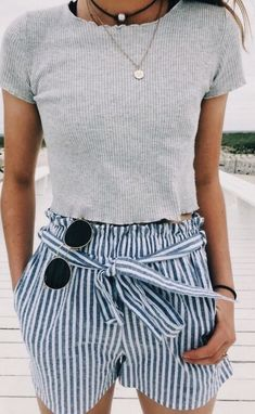 To School Outfit swag VSCO - alannadibattista - Images Summer Fashion Outfits, Spring Summer Fashion, Spring Outfits, Trendy Outfits, Trendy Fashion, Cute Outfits, Womens Fashion, Summer Chic, Minimalist Outfit Summer