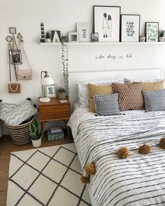 Looking to incorporate minimalism into your bedroom design? Check out these 14 ideas for designing your perfect minimalist bedroom! Bedroom Layouts, Room Ideas Bedroom, Home Bedroom, Bedroom Decor, Bed Room, Bedroom Ideas On A Budget, Ikea Bedroom Design, Extra Bedroom, Bedroom Inspo